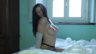 Round boobs Sofia Cucci stays clubbable to masturbate in every direction day long