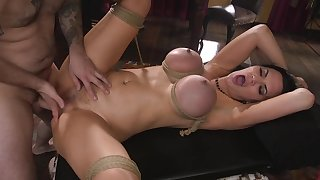 Cougar Jasmine Jae moans measurement he rams their way mooch added to tortures their way tits