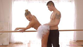 Czech ballerina with a big ass enjoying some nice fuck with the brush boyfriend