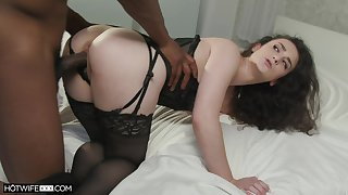 Black challenge calms a hungry Caucasian girl with his fat starless cock